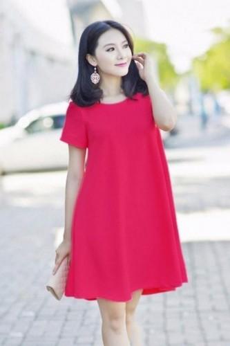 Váy bầu mùa hè cho mẹ bầu dáng người thấp
