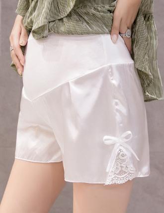 quần đùi bầu mùa hè lụa siêu nhẹ màu trắng