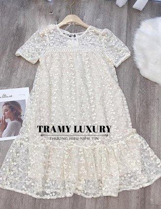 Đầm bầu ren trắng dự tiệc sang chảnh